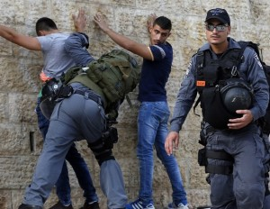 Photo by Ahmad Gharabli:AFP:Getty Images Damascus gate 10:18